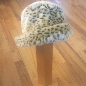 Accessories - Rolled brim animal print hat. Faux fur
